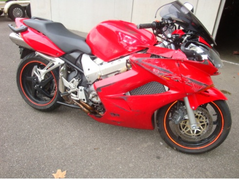 VFR 800 HONDA casse moto > Moto Casse du Moulin